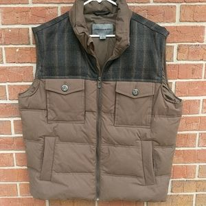 Johnston and Murphy quilted down vest size large